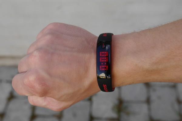 sigma-activo-on-wrist
