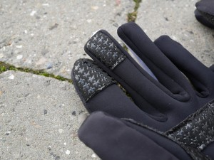 ASSOS-Early-Winter-Gloves-S7-detail