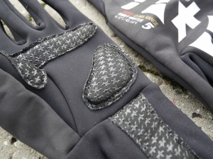 ASSOS-Early-Winter-Gloves-S7-gel