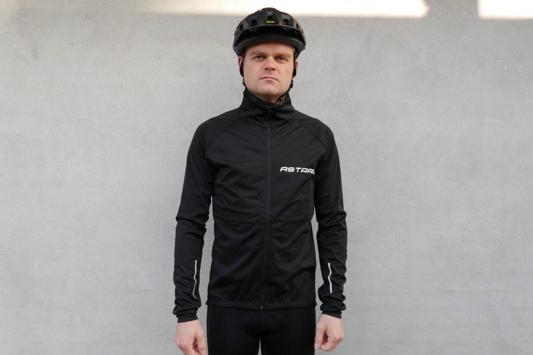 69f0e97c403 Test: Astral Giro Softshell Jakke   CykelStart.dk
