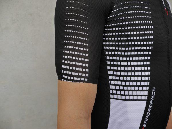 Ekoi-Top-Performance-2-Jersey-sleeves