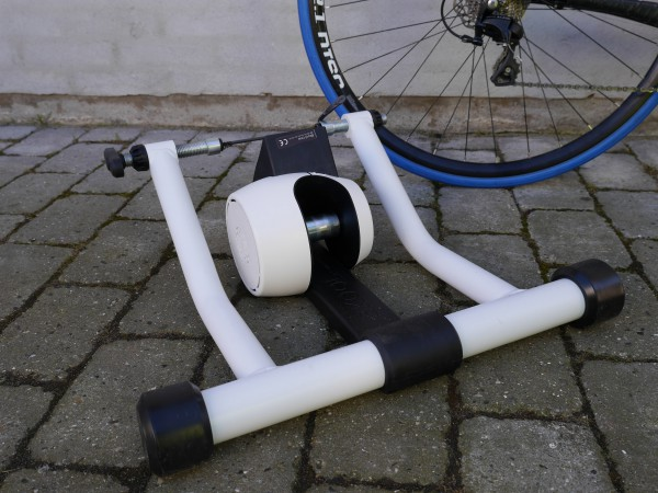 bkool-one-hero-with-bike