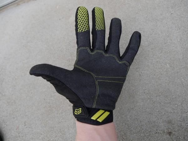 fox-digit-gloves-back