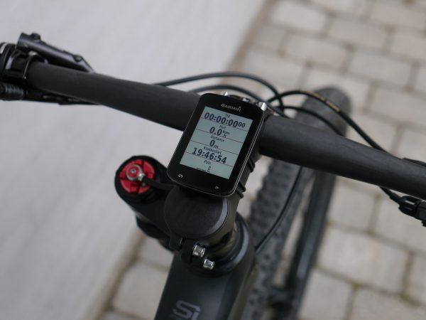 garmin-edge-820-on-bike