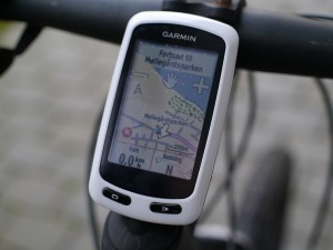 garmin-edge-touring-on-bike-04