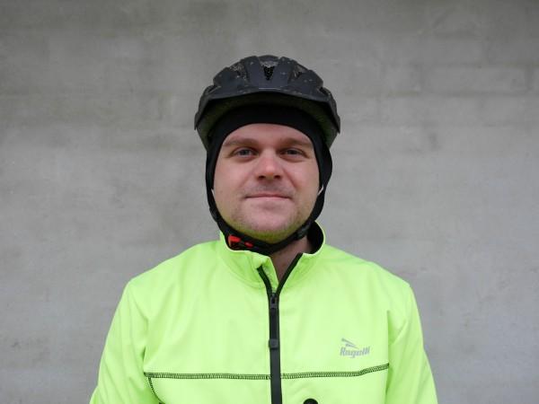 hjelmhue-med-vindtaet-front