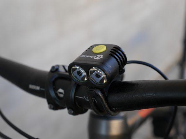 Test: UltraLED MTB 2000 LED forlygte   CykelStart.dk